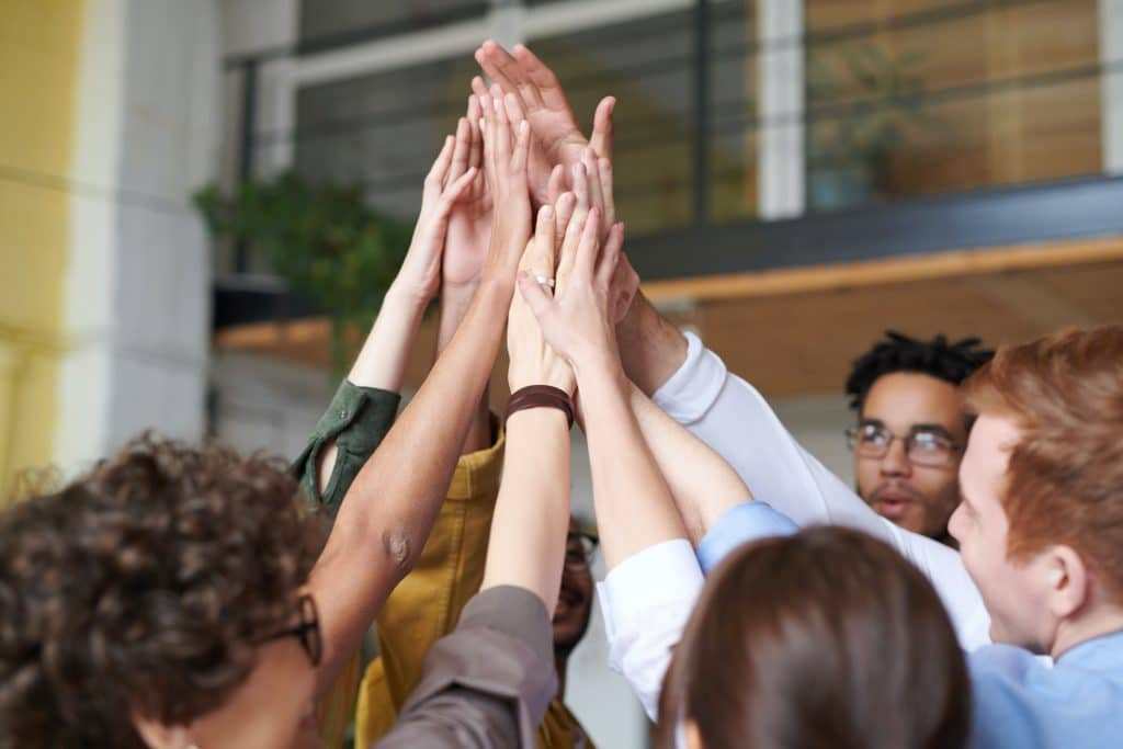 Le coaching en entreprise permet d'atteindre ses objectifs professionnels.