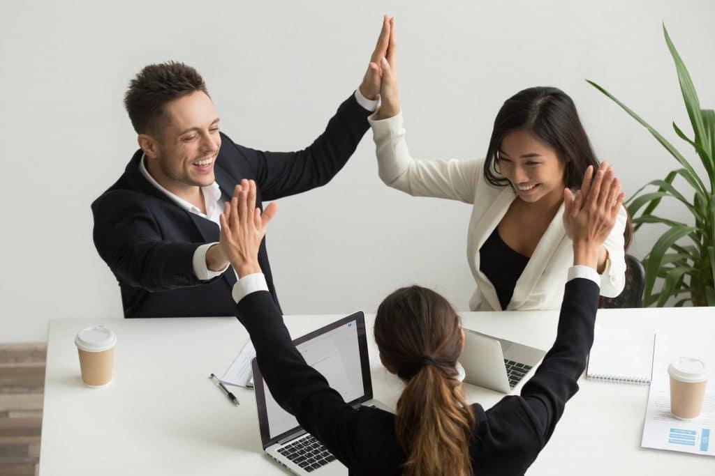 Pour être heureux au travail, il faut trouver un job qu'on aime