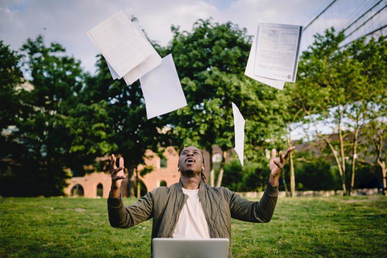 La validation des acquis par l'expérience permet d'acquérir un diplôme en lien avec votre expérience professionnelle.